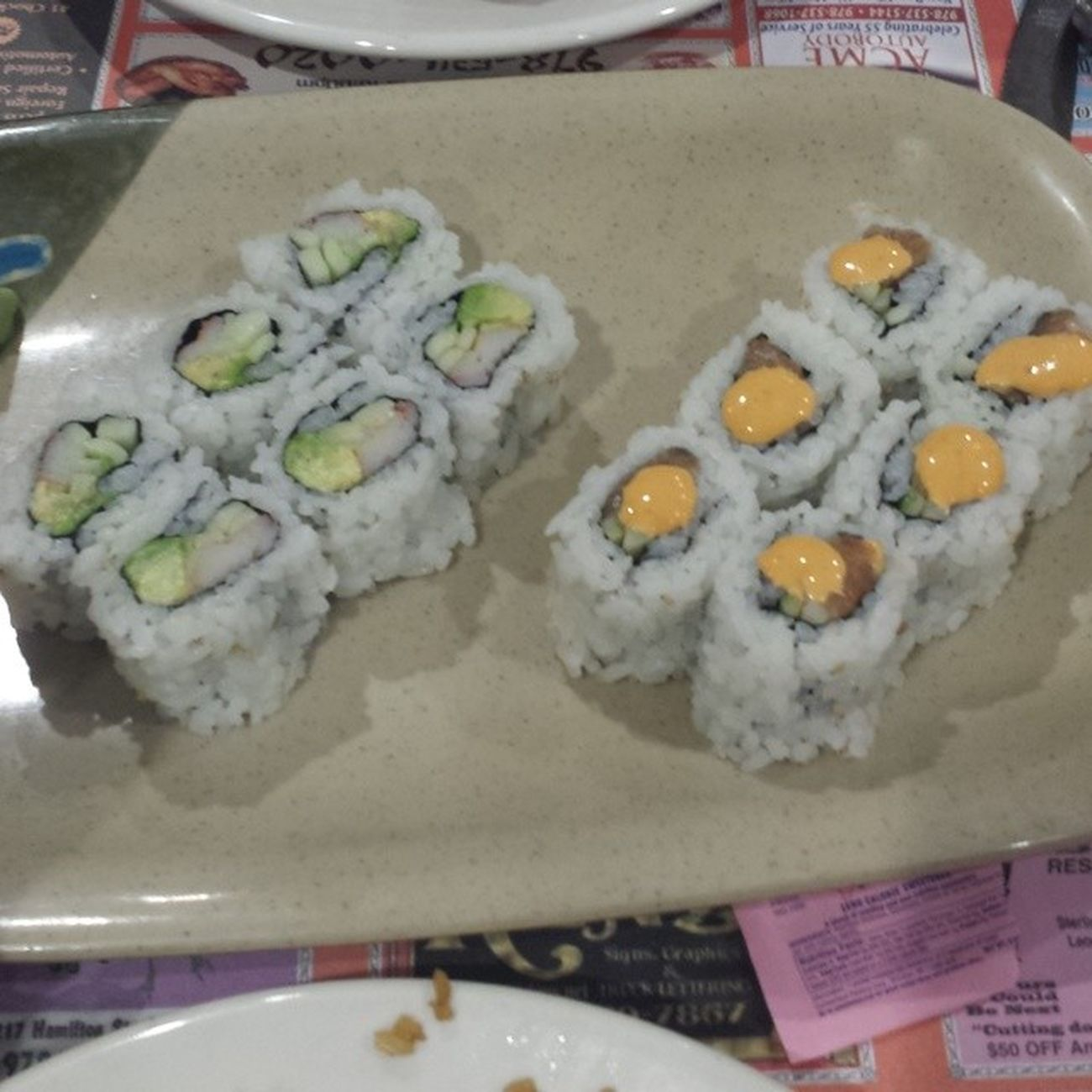 Sushi SPICYSALMONROLL Californiaroll