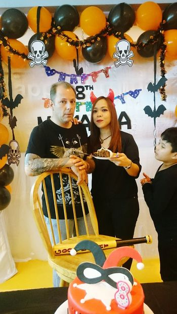 ShareTheMeal Isityummy Two People Togetherness Family Cake Time Real Love  Together Forever Kids Being Kids Halloween Decorations Halloween2016 Mikaela'sbday Parents ❤❤❤