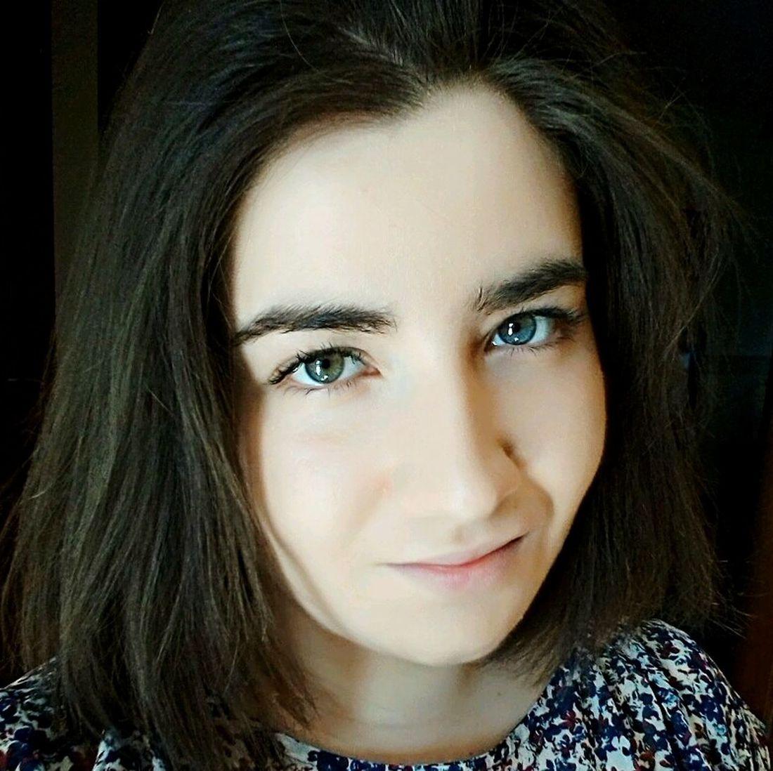 Portrait Portrait Of A Woman Me Selfie ✌ Self Portrait Selca Brunette Eyes Bicoloredeyes Girl Girls Curvy