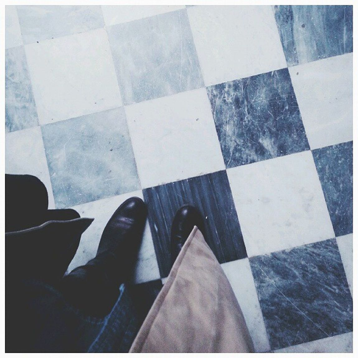 Open to suggestions... next move?? Fromwhereistand Fromwhereyoustand Tilesaddiction Tileporn Tiles Floorselfie Ihavethisthingwithfloors Viewfromthetop Viewfromthetopp Vscokingdom Vintagefloors Igersitalia Ig_florence Amazingfloorsandwanderingfeet Ihavethisthingwithtiles TiledFloor