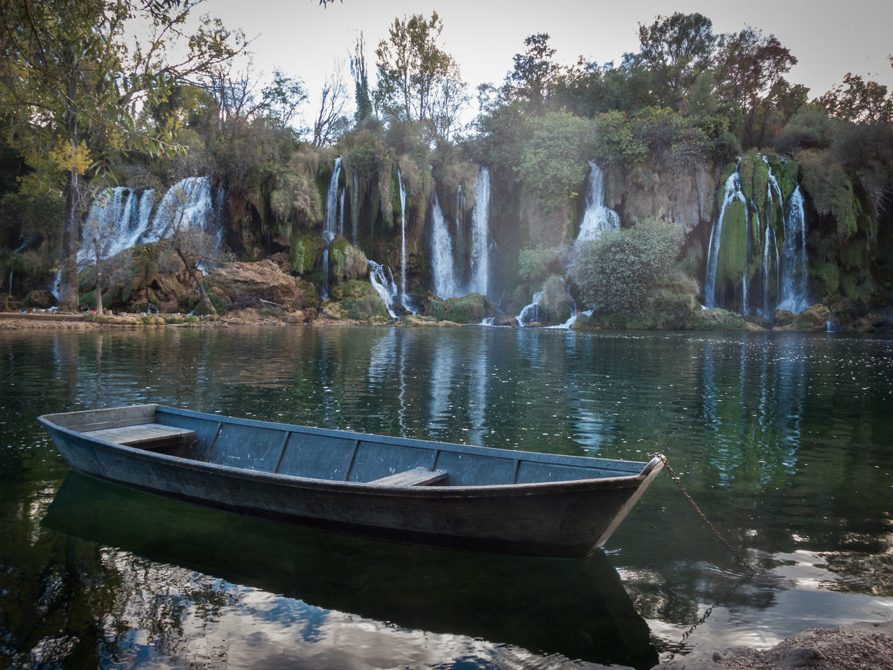 Landscape Day Outdoors Tree Tourist Tourist Attraction  Lonely Tourism Kravica, Bosnia & Herzegovina Bosnia And Herzegovina Famous Place Waterfall Nature Reflection Water Boat Kravice