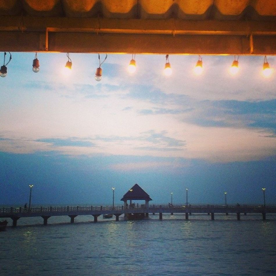 บรรยากาศสีสวย^^ Lmsky Sea And Sky Sea Light And Shadow Light Twilight