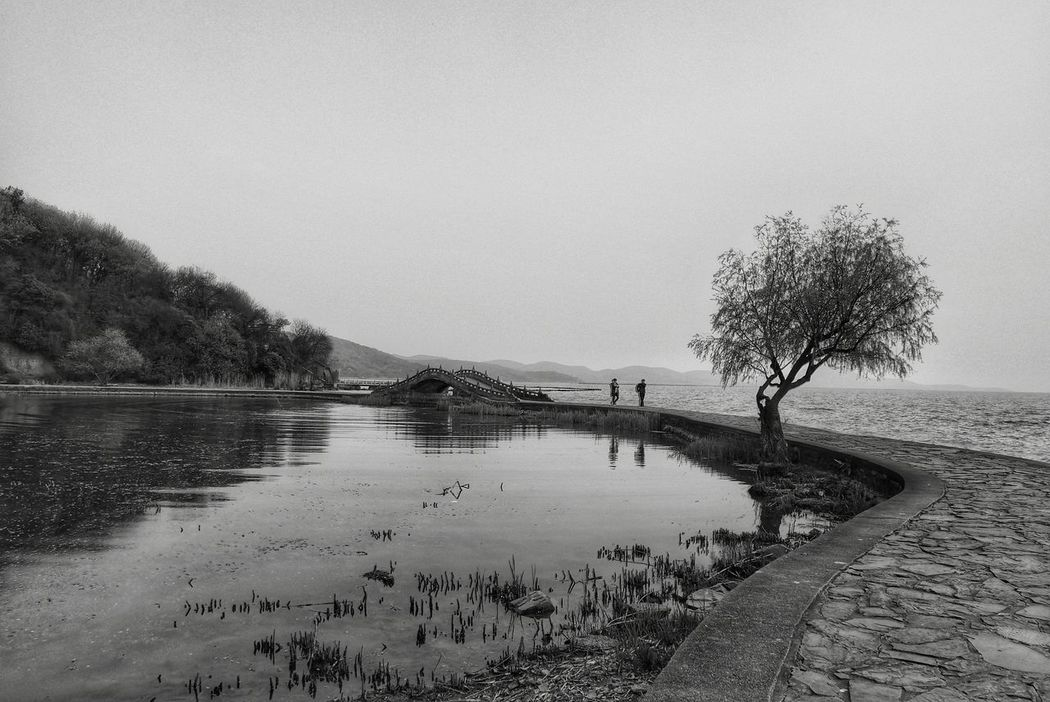 China Photos Outdoors Landscape Bnw Black And White Walking Around In The Park People Watching Lakeside Landscape_Collection Blackandwhite Light And Shadow Streamzoofamily The Great Outdoors - 2016 EyeEm Awards