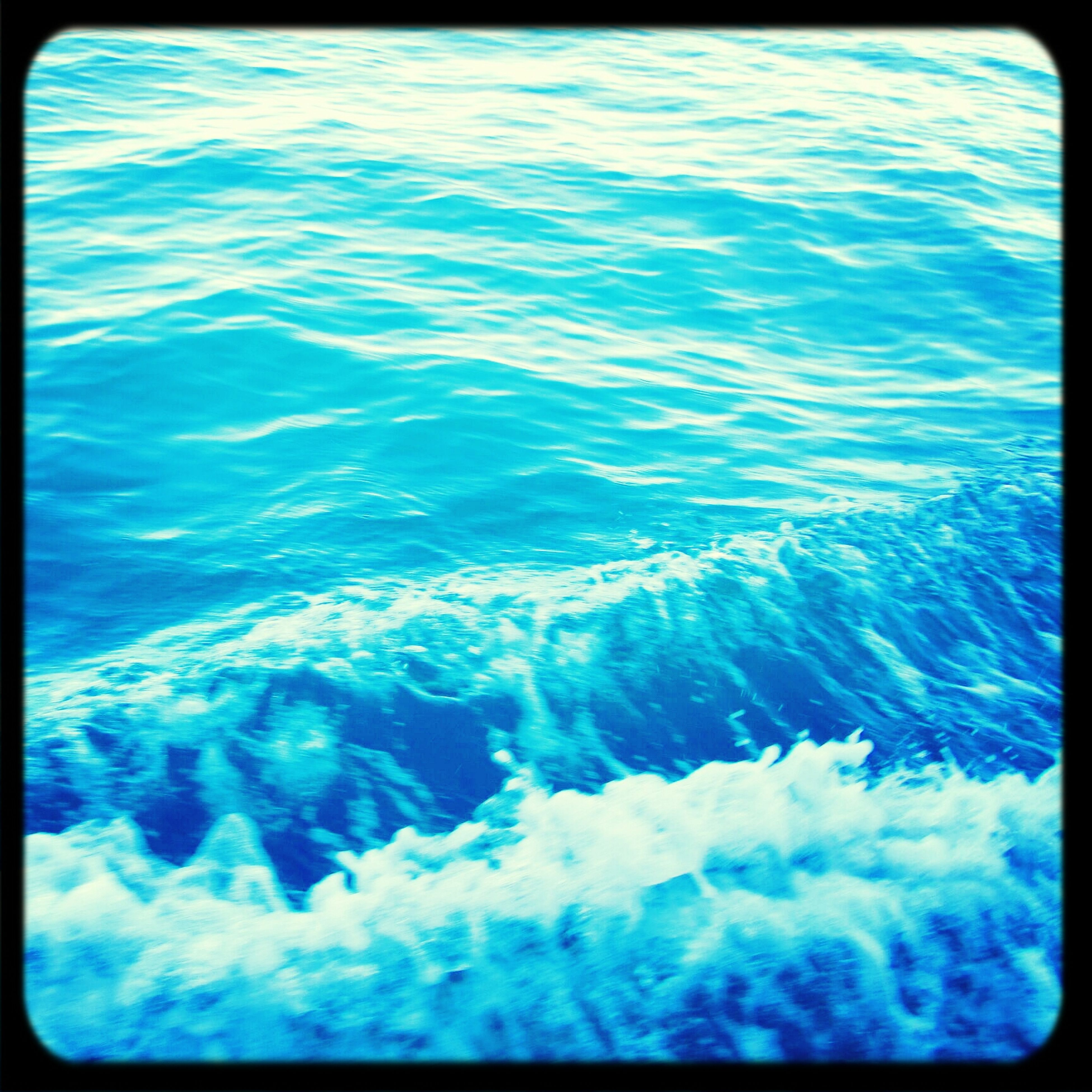transfer print, water, auto post production filter, blue, sea, beauty in nature, waterfront, nature, rippled, high angle view, full frame, surf, backgrounds, wave, tranquility, scenics, day, no people, outdoors, tranquil scene
