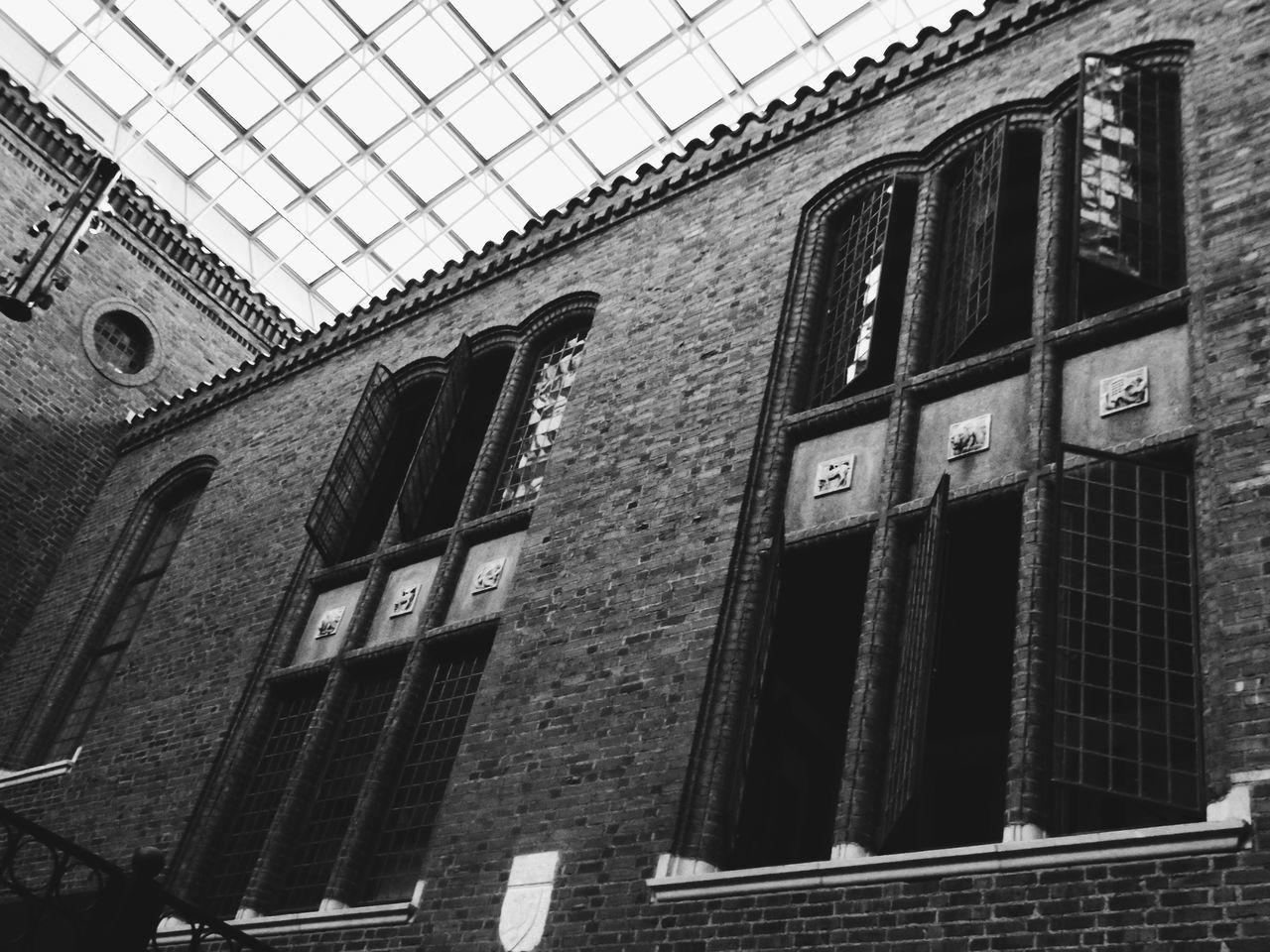 Black And White Photography Black And White Windows Shiny Windows Reflecting Light Gothic Victorian Elegant Touring Detroit Dia Interior Views Things I Like The Architect - 2016 EyeEm Awards Fine Art Photography Welcome To Black BYOPaper!