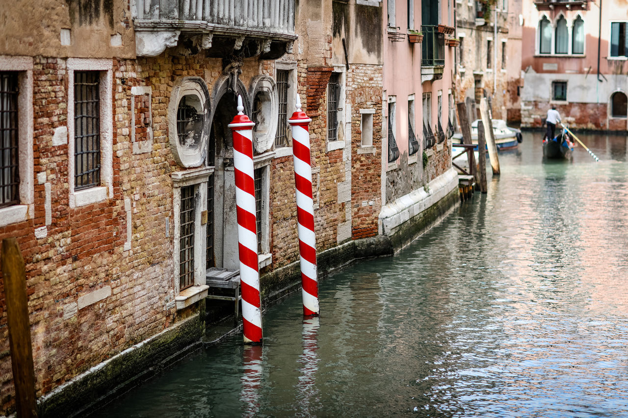 Red The Week On EyeEm Travel Photography Venezia Venice Canals Venice, Italy Water Way Architecture Building Exterior Canal Day Gondola - Traditional Boat Italy Mooring Post No People Outdoors Reflections Travel Destinations Venice Water