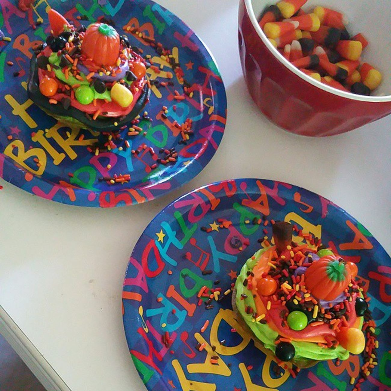 I made these special cakes for the boys to eat. They loved the way I decorated them. Halloween Lovemyboys Decoratingforhalloween Son nephew