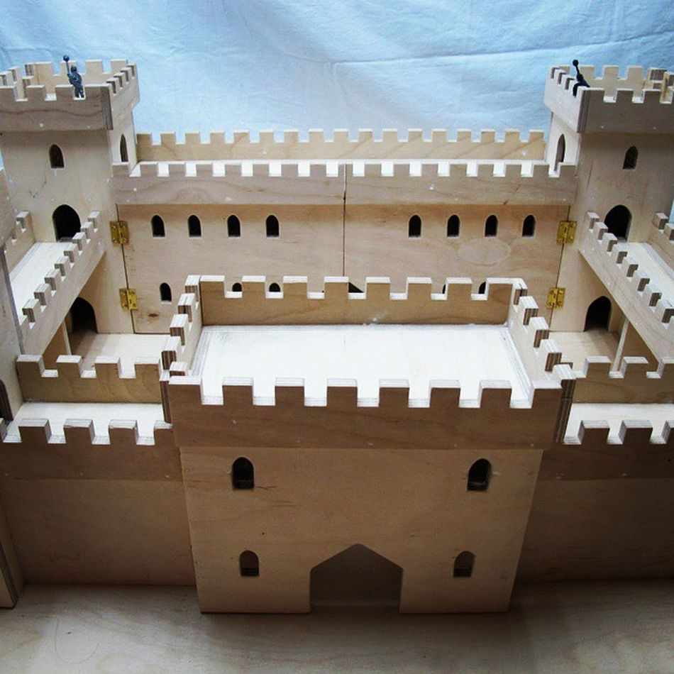 Ready for painting plywood COMMISSION CastleBlack smallscale castle collectors knights soldiers warhammer