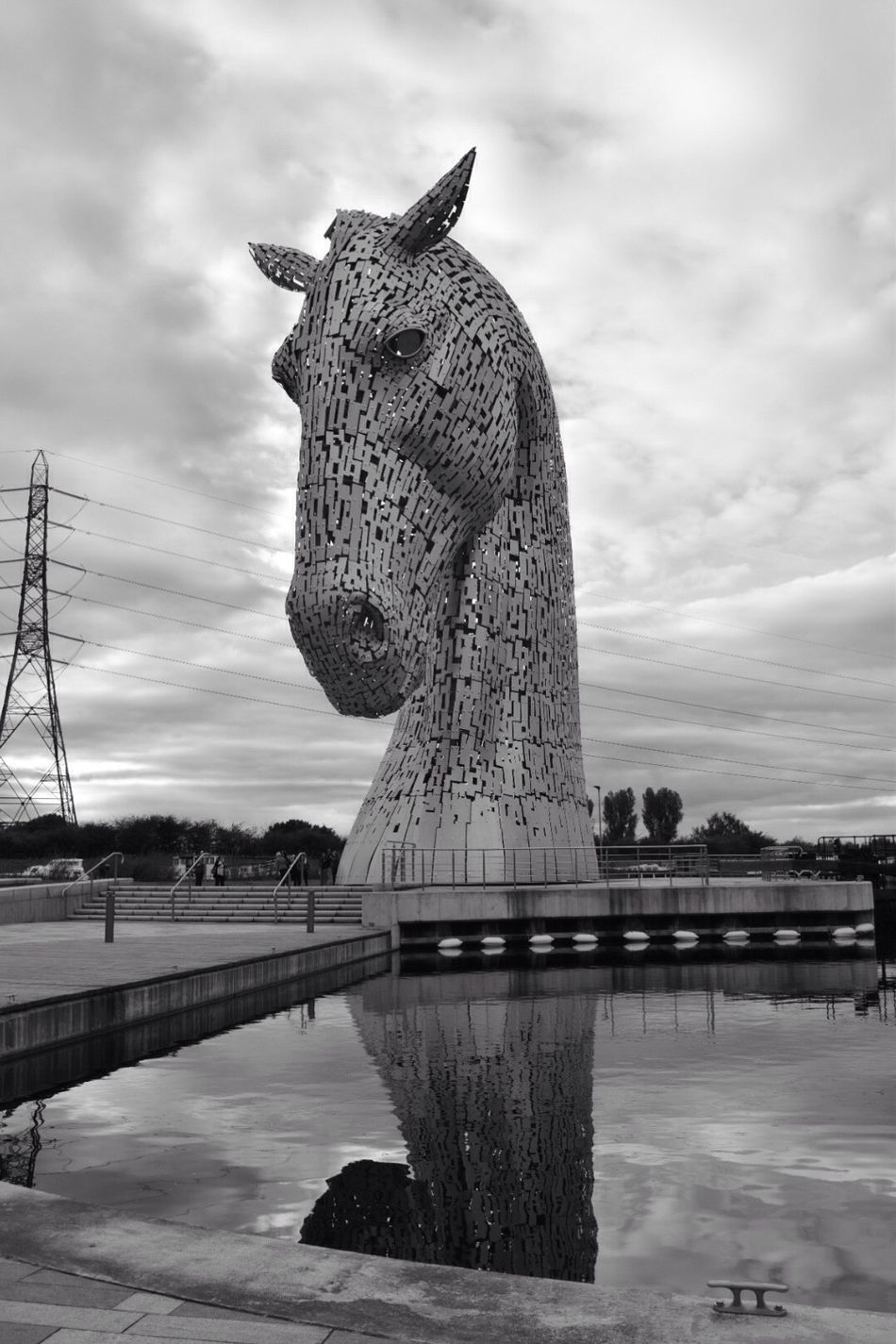 Sky Cloud - Sky Reflection Water Outdoors Architecture Day Kelpie Kelpies Of Falkirk Sculpture Statue Tree Nature Blackandwhite Photography