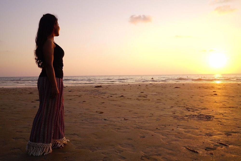 The Portraitist - 2016 EyeEm Awards Portrait Thailand Beach Photography Seaside Sea And Sky Beach MY BEAUTIFUL WIFE ❤ Sea Wtwinstudio