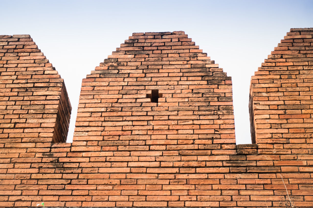 brick wall, architecture, building exterior, built structure, no people, outdoors, day, clear sky, low angle view, sky