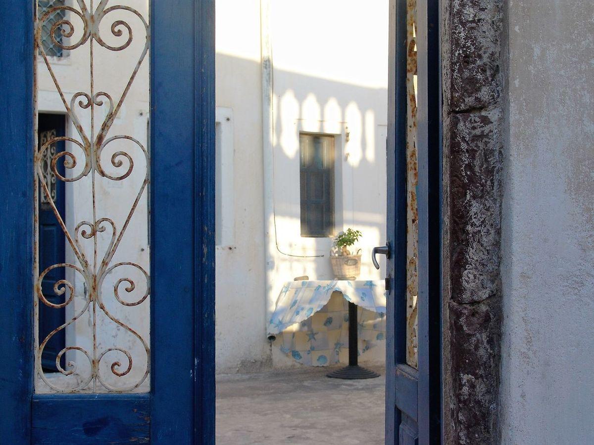 #greece #opendoors #santorini Built Structure Entrance