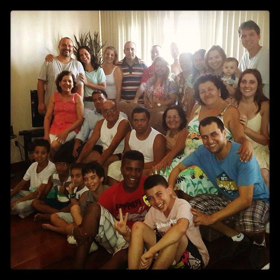 E hoje foi assim. . . Família completa reunida no almoço de domingo!