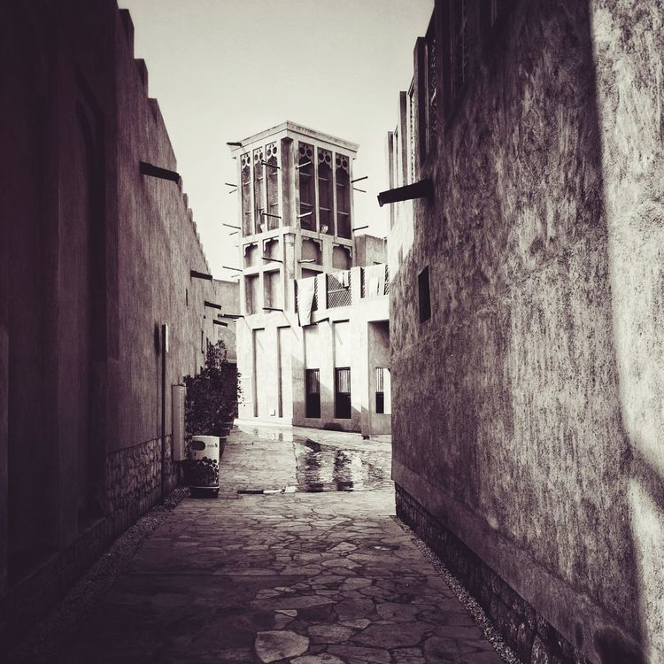Old house's Dubai Building Exterior Architecture Built Structure Residential Building House Street No People Old Town UAE Huwawie P9 Huwaweipics EyeEm Best Shots EyeEm Gallery EyeEmBestPics Eyemphotography