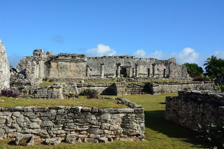 tulum Ruinas Tulum , Rivera Maya. Tulum Civilization Old Ruin History Architecture Castle Built Structure Travel Destinations Day Outdoors Ancient Civilization Building Exterior Pyramid