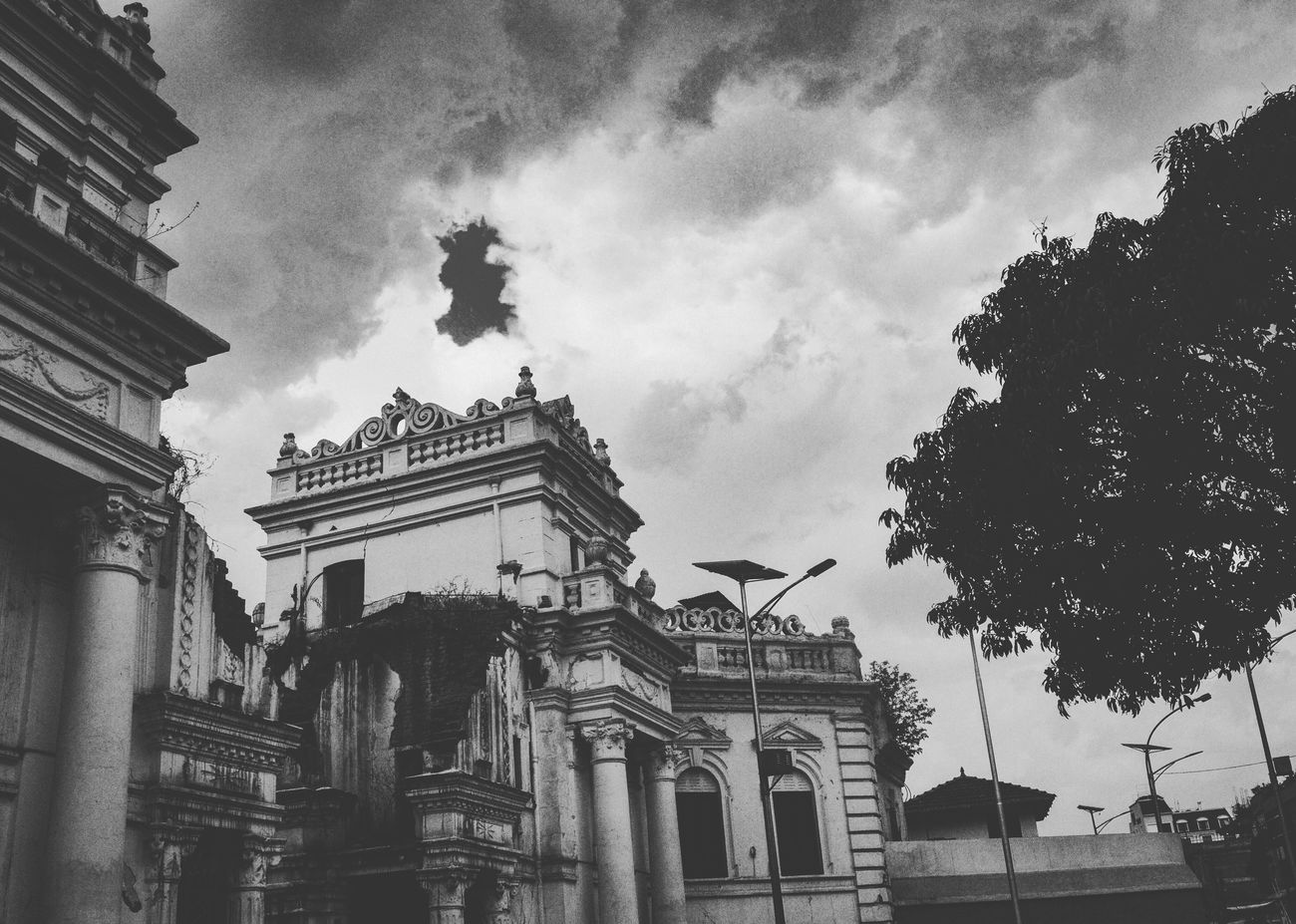 Durbar Hanging Out Hello World Taking Photos Enjoying Life Checking In Discovering Great Works Kathmandu Walking Around Shot DSLR Effect Black White Blackandwhite Angle