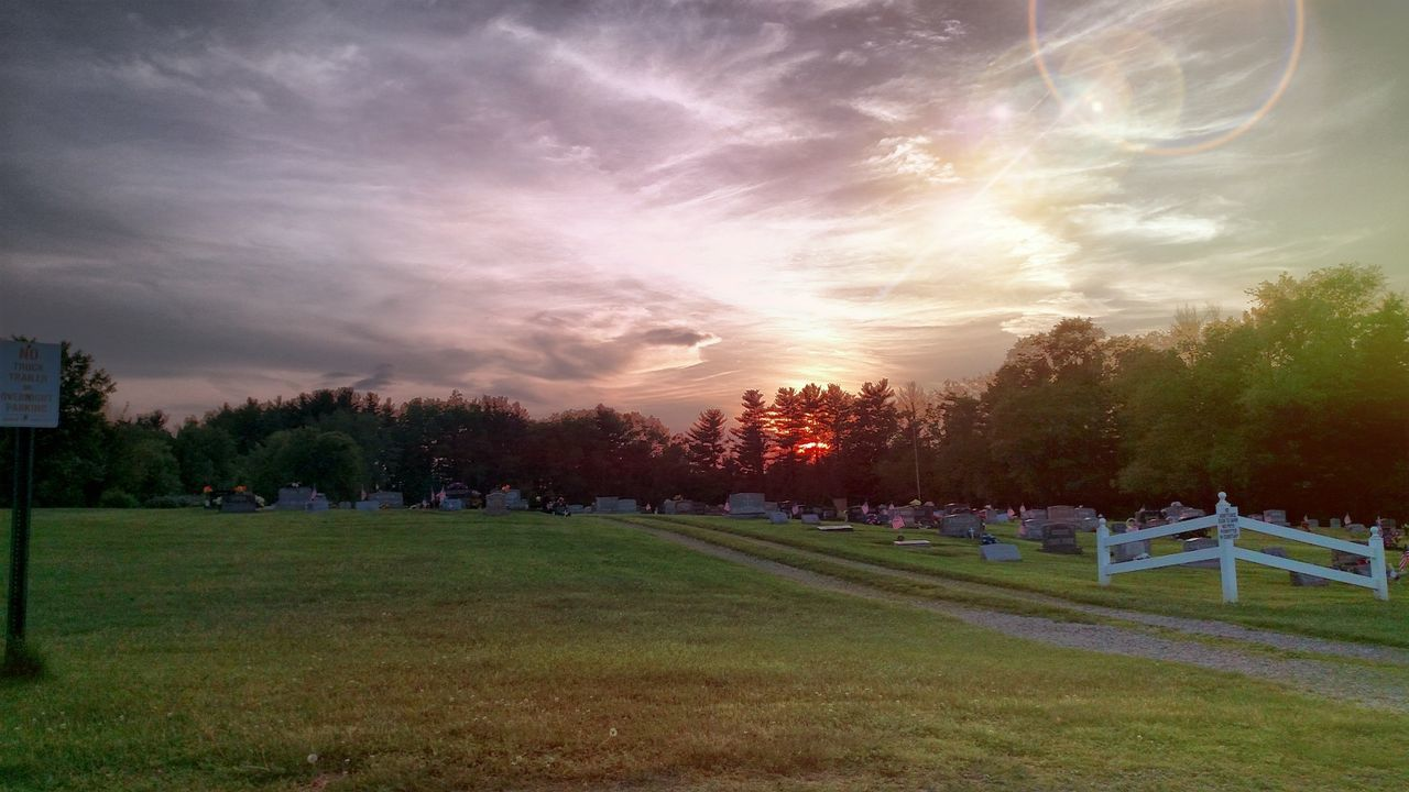 Sunsetting behind the cemetary. Cloud - Sky No People Outdoors Freshness Nature Nature_collection Landscape_collection EyeEmNatureLover EyeEm Gallery Beauty In Nature Countrylife Close By Home Sunset And Clouds  Sunset_captures Sunset_collection
