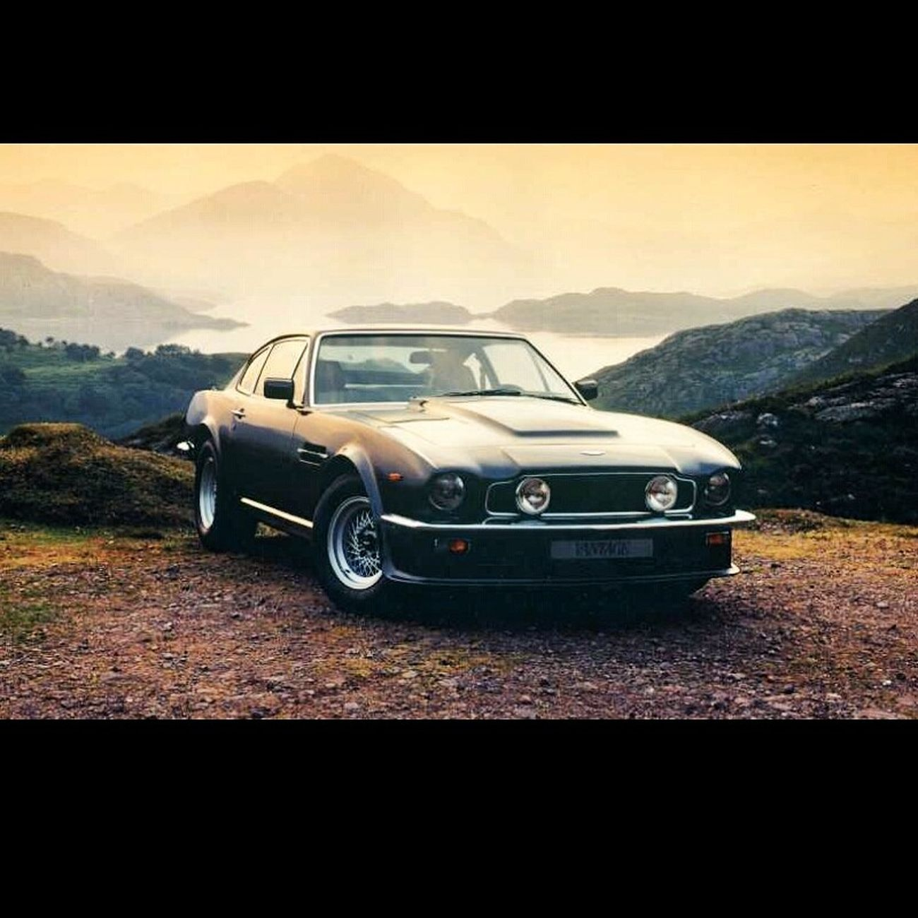 Austin Martin V8 Vantage England Classy Hi! .........good evening in morning ♡♡♡♡♡♡♡^-*