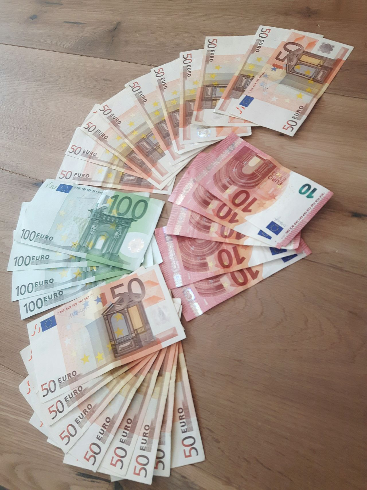 Geldscheine Geldschein  Euro Bills Euronote Money Paying Euro bills in several denominations