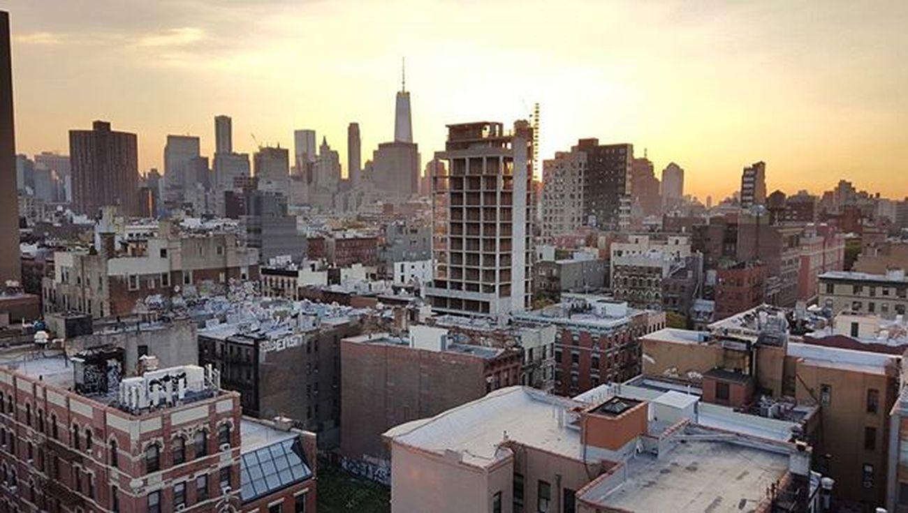 Lower East Side. Igny Ignyc Newyorkcity NYC Illgrammers Shoot2kill Justgoshoot Instagood Peoplescreative Vscocam Vscogram Gameoftones Lowereastside LES Rooftop Nofilter