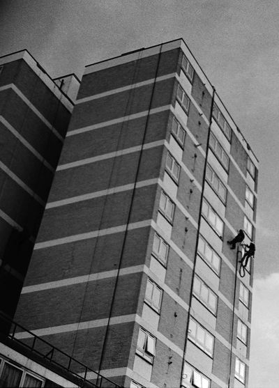 2 Men Assailing down Building Architecture Building Building Exterior Building Two Men Absail Absailing Side Tower Block Habitat London City Photography Photograph Photo Foto Photographer Documentary Reportage Street Shot Taking Photos Grab Shot Built Structure Cleaners Clean Outside Windows Inspection Inspect Design Development Exterior Flooring Full Frame Modern Office Building Pattern Repetition Ropr Ropes Climb Climbing Structure Tile Tiled Floor Urban Wall Wall - Building Feature