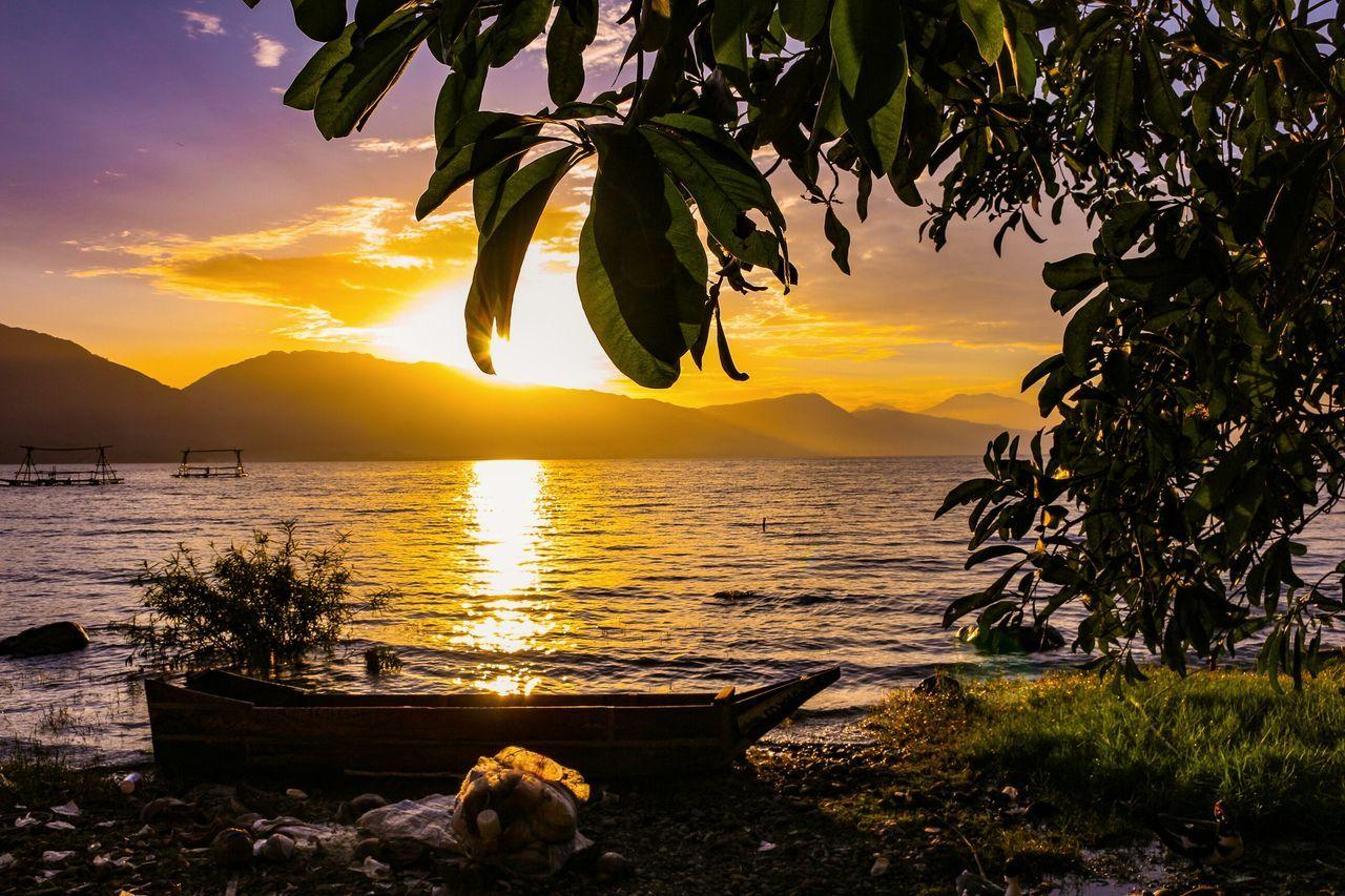 Rest before sunset... Nature Sunset Silhouette Romantic Sky Lake Landscape Photography Wonderfulindonesia