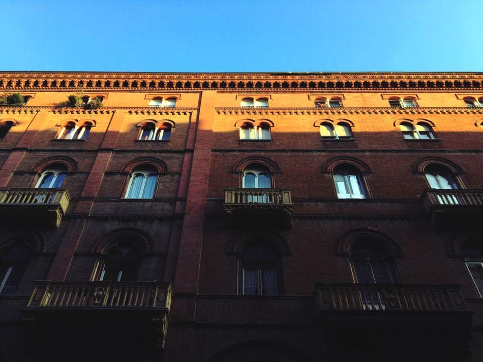 Bologna Viaindipendenza Perspective