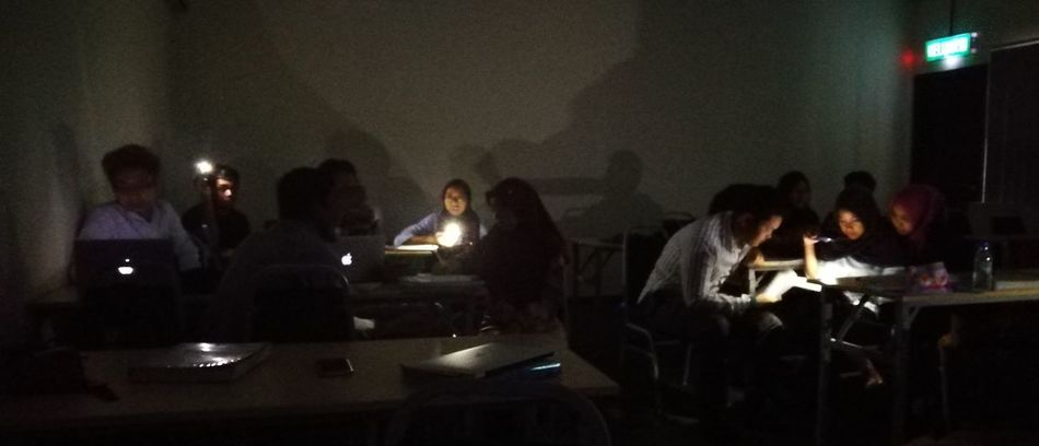 Blackout Classroom Classroom Not A Bar Writing Notes Torchlight Flashlight Student Life Teaching And Learning Apple MacBook