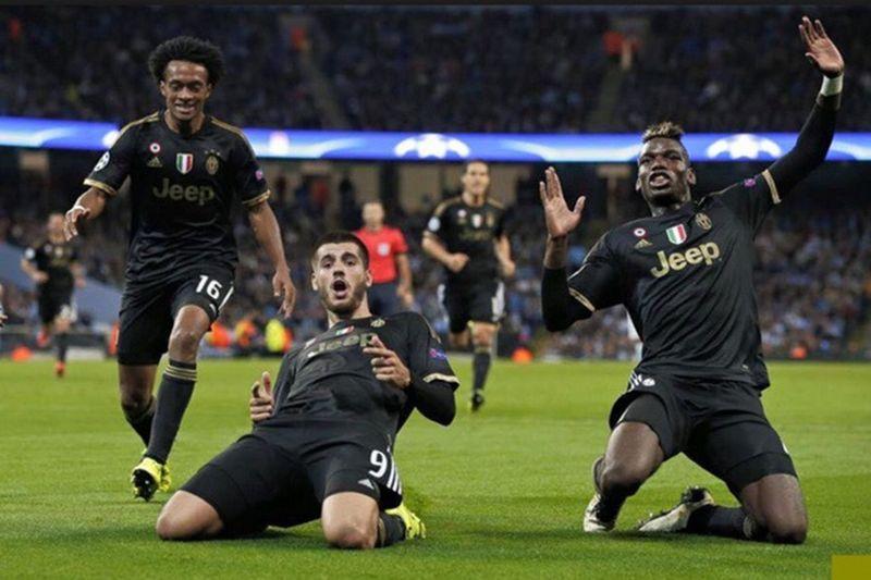 Calcio Juventus Forzajuve Trio Enjoying Life Win Match Matchday Championsleague England City Followme Follow Bestoftheday BestEyeemShots First Eyeem Photo Adidas Jeep