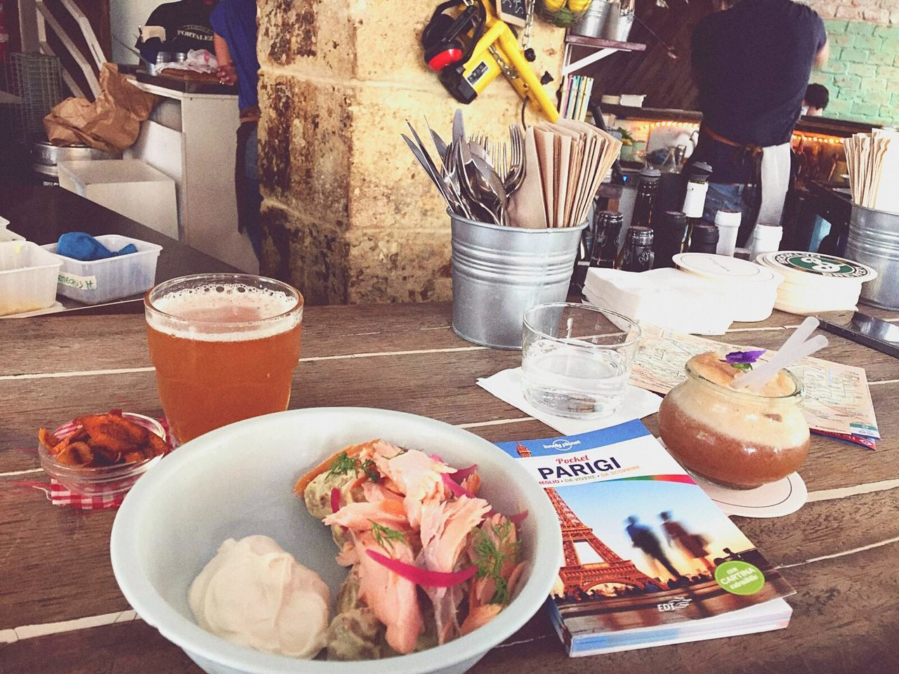 """Remember Le Mary Celeste Paris Lunch Places Ruecommines """"Monsieur sa bene com'è Parigi. Una città pericolosa per la bellezza, quando la bellezza non possiede unsoldo."""""""