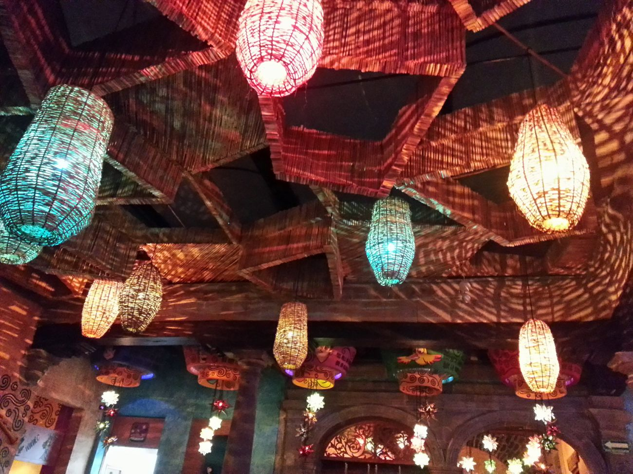 Formas y luces de una noche treintañera. Last Drink, I Promise Centrohistorico Lights Mojito