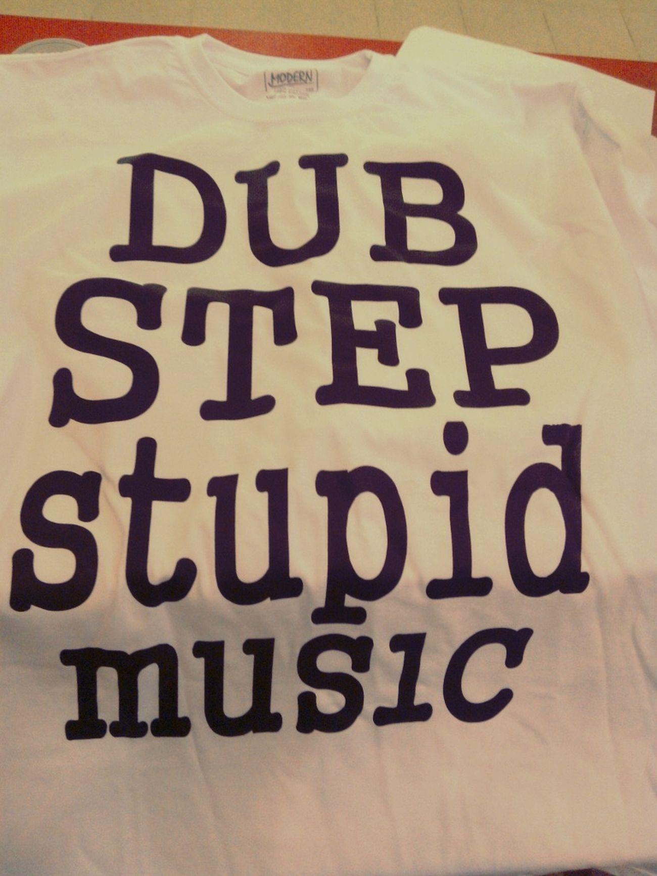 T-shirt)