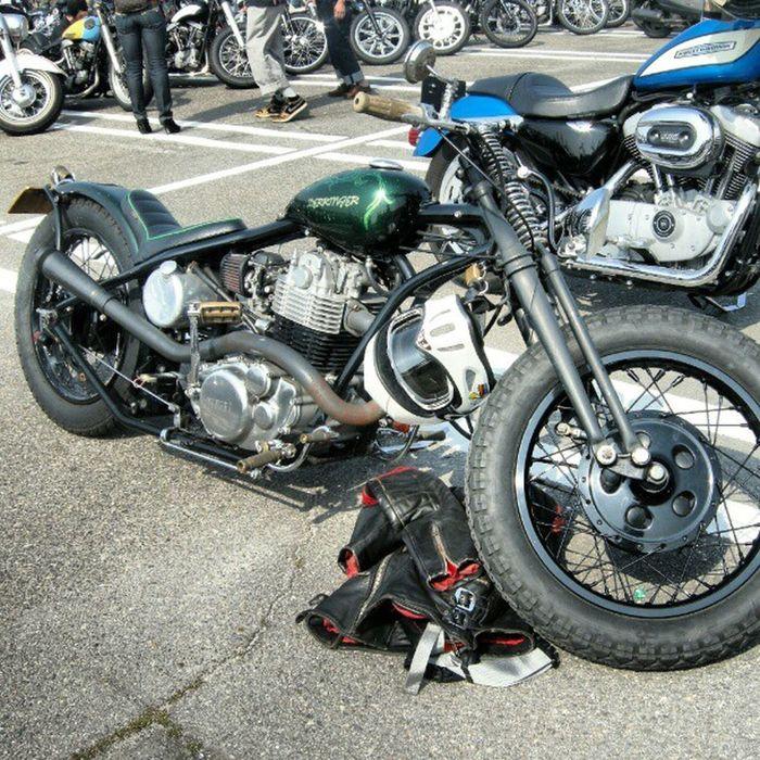 old photo joits custom show parking  Chopper Bobbr Sportser Yamaha