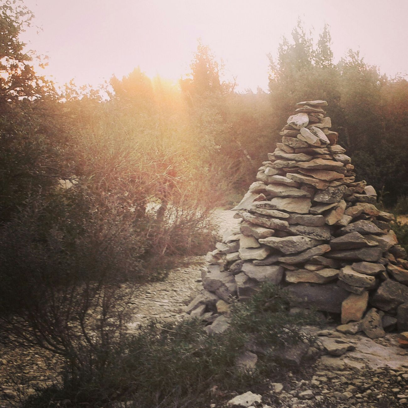 Petite sortie trail du dimanche, dans le froid..et avec ce p*t**n de Mistral.. Trailrunning Trail Running Trail Running Les Angles Trou De La Lune Gard