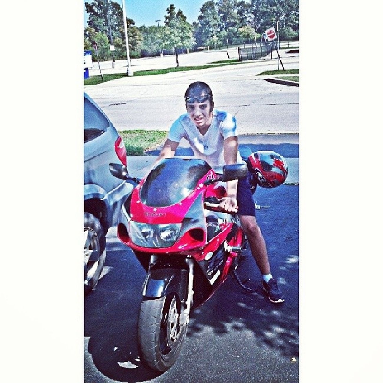 TBT  G's old gixxer, four wheels move the body, two wheels move the soul. Bikelife Bikesfordays RideOrDie gsxr gixxer 600cc 750cc 1000cc killa bikers tdot 416 905 mississauga oakville torontoshottest toronto 647 speed motorbike motorbikes vintage
