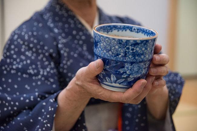 Close-up Hands Human Finger Japan Japan Culture Japanese  Kimono Leisure Activity Lifestyles Selective Focus Sensei Tea Ceremony Tea Ceremony Sensei Tea Cup Traditional Clothing Traditional Outfit Unrecognizable Person Original Experiences Ultimate Japan
