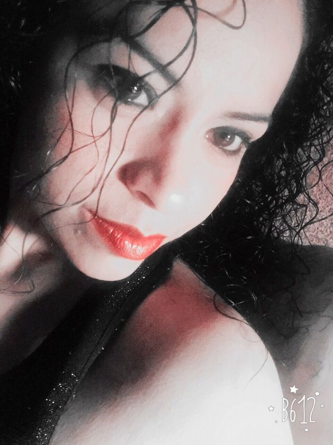 Kiss Me Monterrey Hermosa Noche Hermosa Buenas Noches! ❤ MeAmo. <3 Woow Kiss Kiss Monterrey, México Smile❤ Curls Pretty Pretty Girl Xoxo Selfie Lovers Goodnight Love KissMe Love ♥ LoveMe