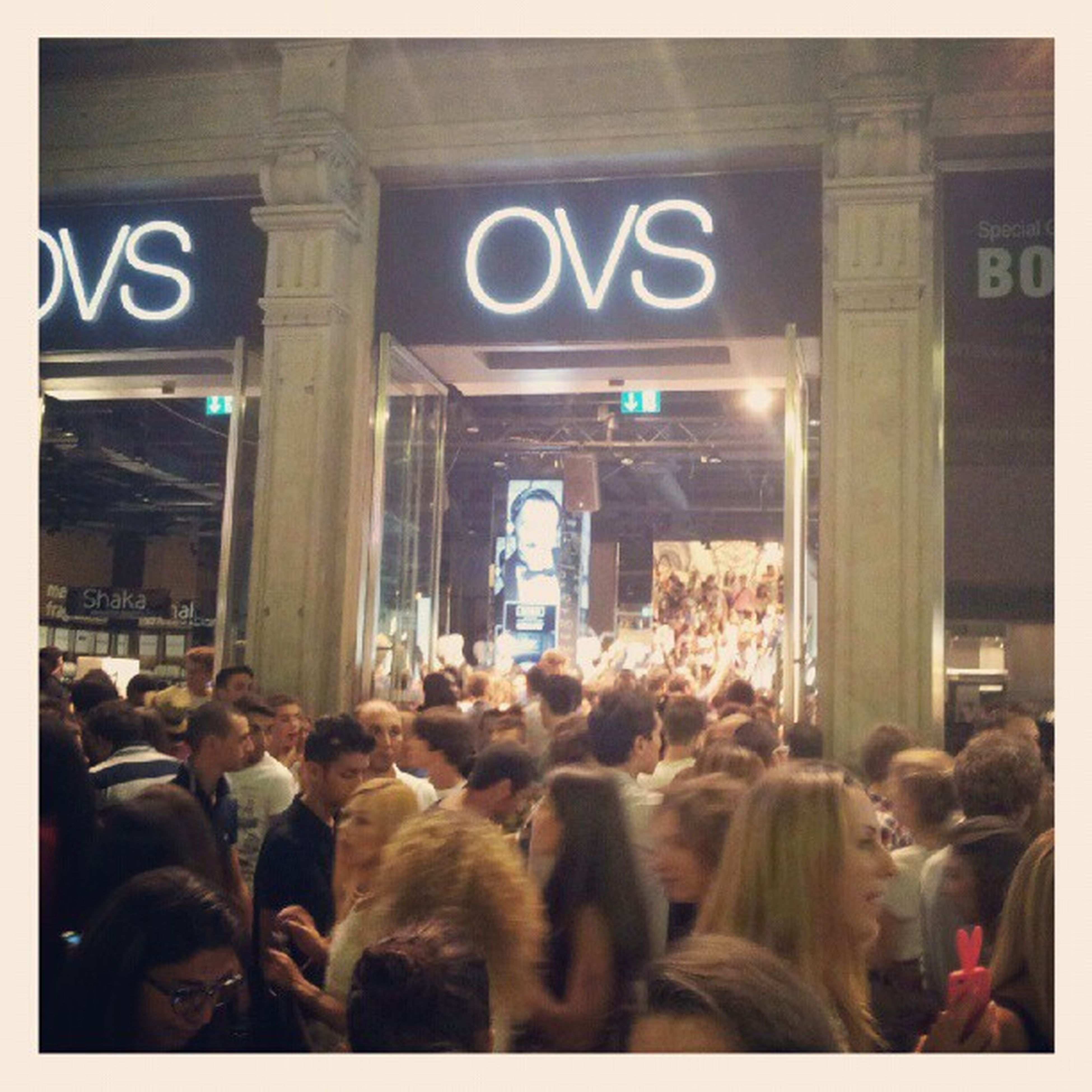 The crowd at #ovs for #bobsinclar during the #VFNO2012 Ovs Bobsinclar Vfno2012