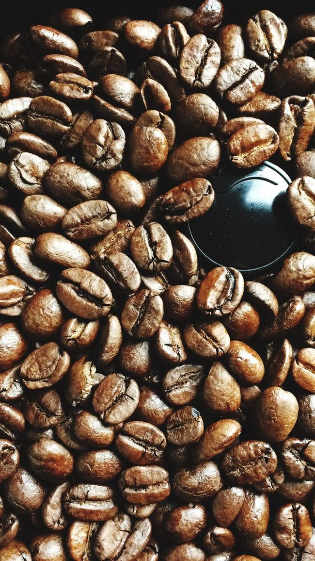 Food And Drink Abundance Large Group Of Objects Brown Caffeine Food Coffee Bean Nut - Food Full Frame Freshness Group Of Objects Sack Order No People Heap Waking Up Good Morning Nessessary. Startup Morning Morning Rituals Coffee Essential Coffee Grinder