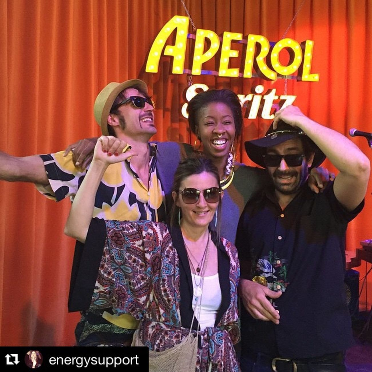 #Repost @energysupport with @repostapp. ・・・ #leonzelig & #golfodeguinea #dj #music @paloaltomarket #paloaltomarket #streetmusic #aperolspritz ¿Te lo vas a perder? Photo Credit 🎵📷#sandraenergysupport @borisrimbau #scoopcomunicacion 😏PaloAltoMarket #isidreestevez @AperolSpain 👍🏻 7Edición(especial) Palo Alto Market siempre aporta en todos los niveles 🔊🔊Difusión total! #scoopcomunicacion📢📢📢 Paloaltomarket Djs Streetmusic Streetmarket Buenrollo Friends Sandraenergysupport Weekend Music Aperol Spritz