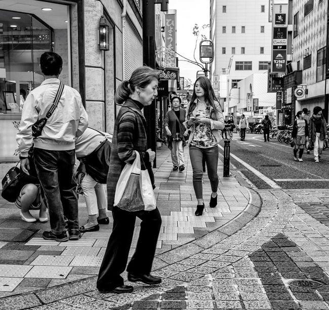 Side Street Japan Japanese  Streetphotography Streetphoto_bw Street Fashion People Blackandwhite Monochrome FujiX100T