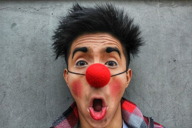 Clown Claun Fun Rednose  Makeup Eyeliner Person Lifestyles Looking At Camera Portrait Front View Innocence Human Face Young Adult Shock Photography Enjoyment Arts Culture And Entertainment Men