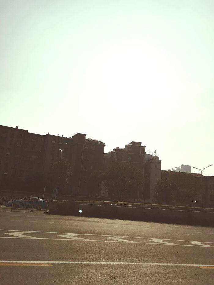 今天太阳很大 但还是很冷