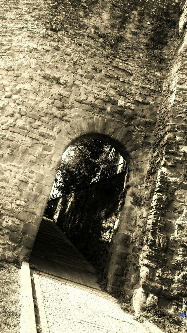 Monochrome Photography Black And White City Street Photography Archway Z3 Xperia Arezzox Italy🇮🇹