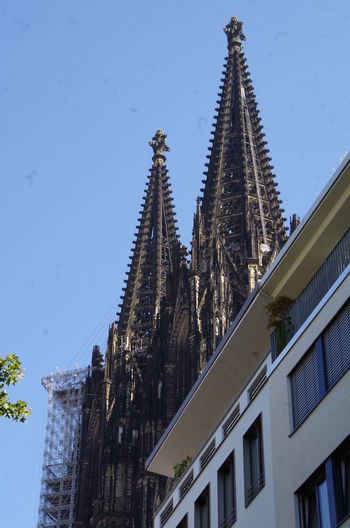 Alt trifft neu - Kölner Dom Alt Architecture Architektur Bauwerke Built Structure Köln Kölner Dom Modern No People Old TakeoverContrast My Year My View