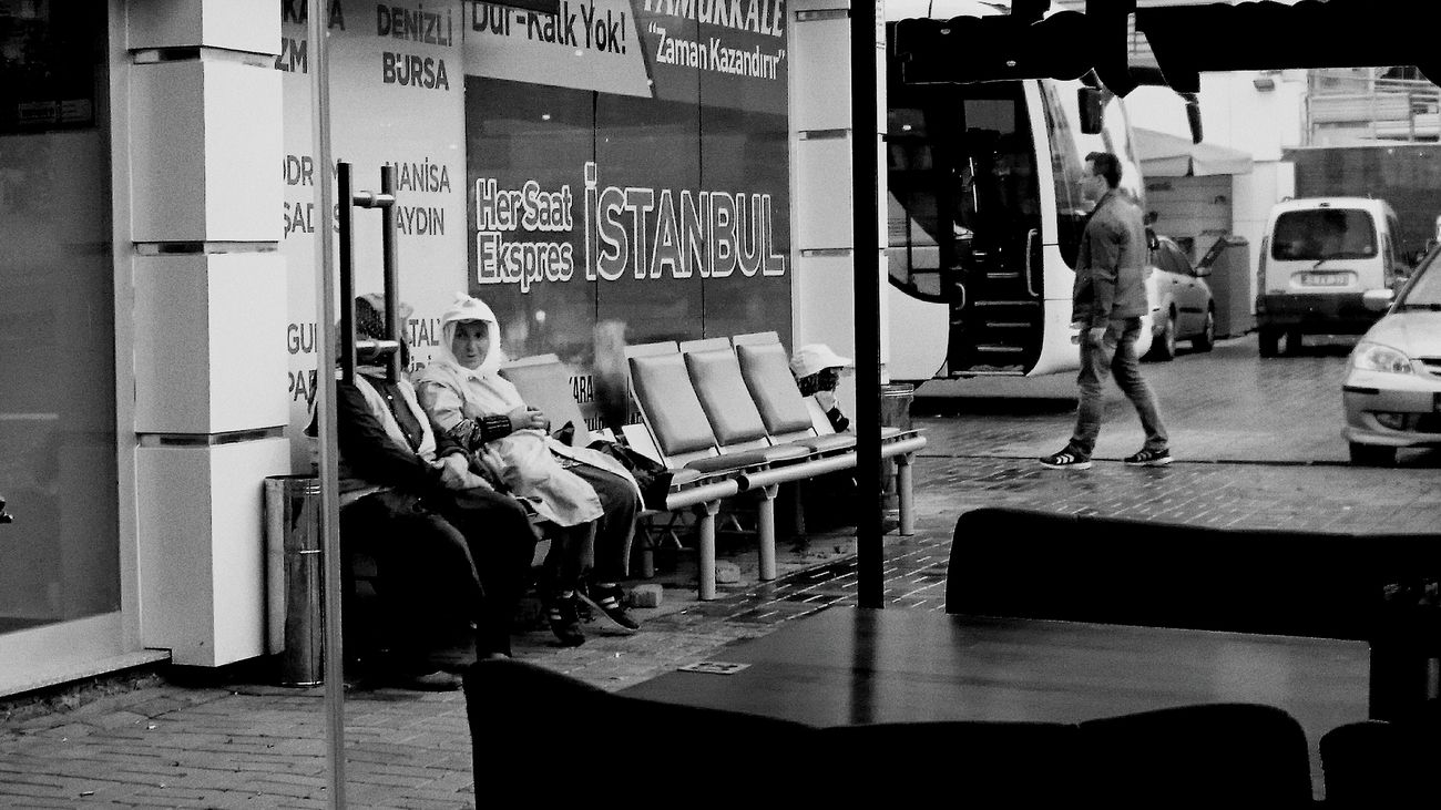 Streetphotography Street Streetphoto_bw Sreetphotographer Blackandwhite Blackandwhitephotography Mobile Mobilephotography Sony Sony Xperia Z3 Sonyphotography Vscocam VSCO Vscogood Vscoblackandwhite Benimkadrajim Gorgutanigi Hartcollective Hipstamatic Phoneography Photo Of The Day First Eyeem Photo
