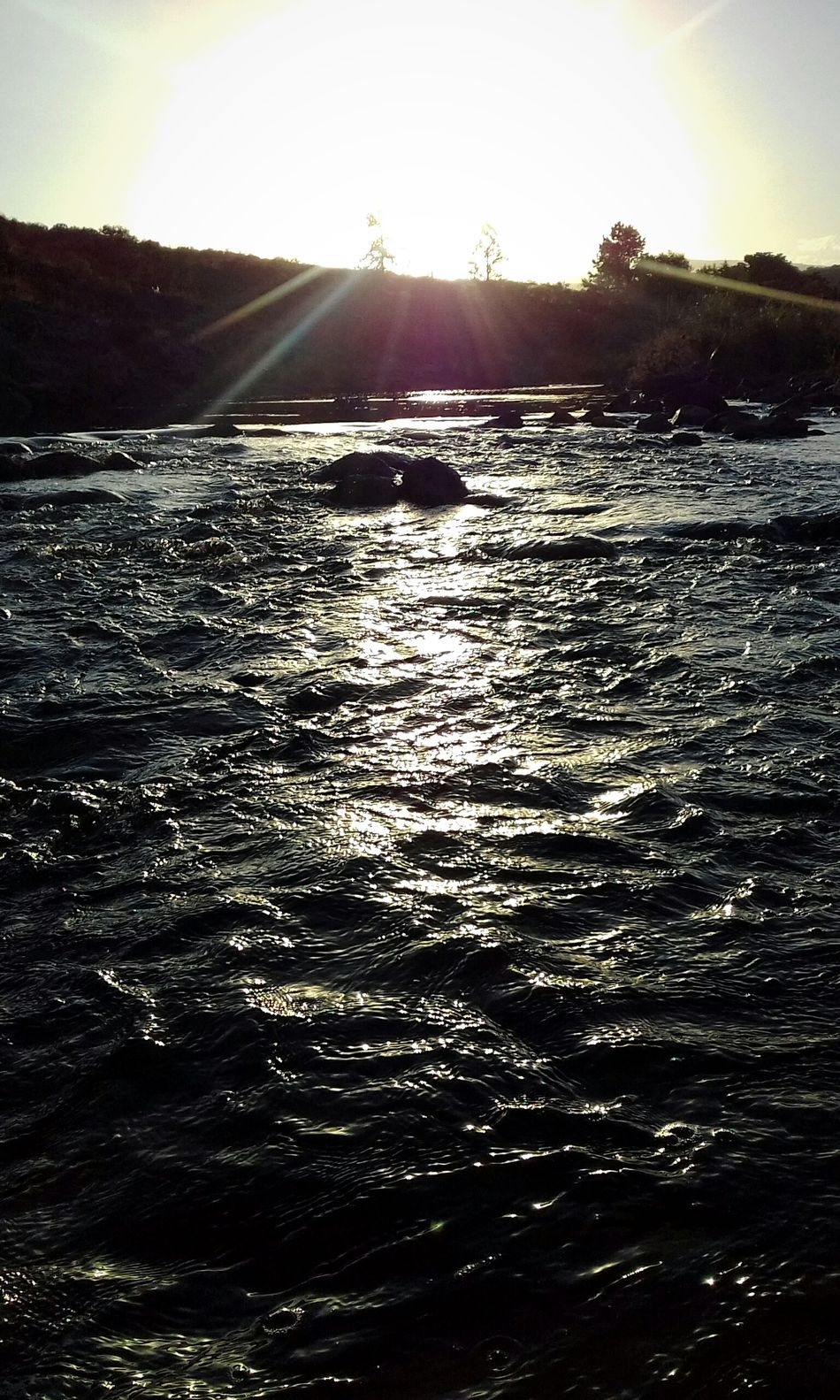 Water Nature Beauty In Nature Sky Sunset Sunlight Outdoors Tranquility Sea Landscape Tranquil Scene Horizont  Walking Nature Peace Beautiful Woow River Riverside Camp Camping The City Light