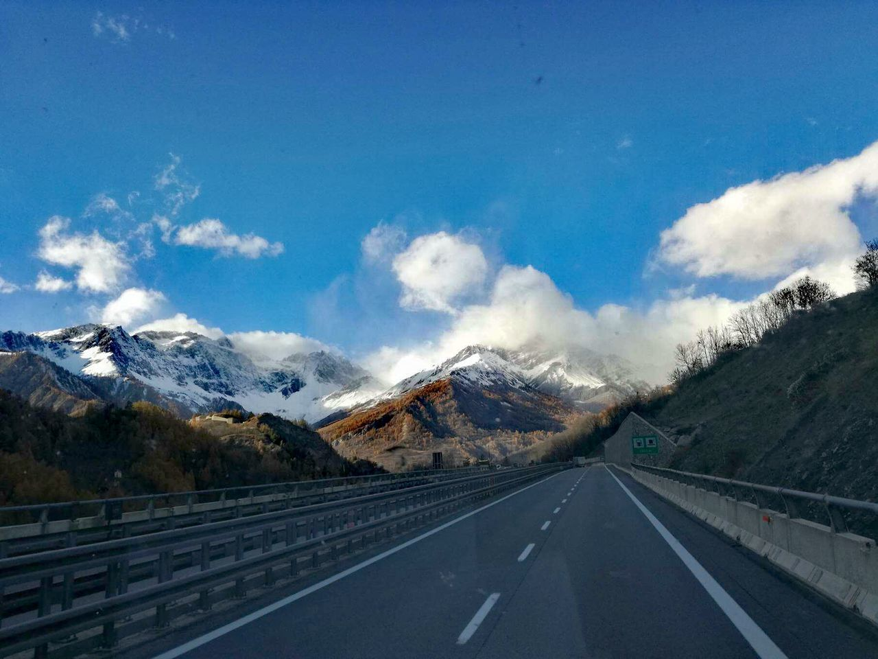 Road Snow Mountain Range Mountain No People Cloud - Sky Cold Temperature Sky Day My Year My View Best EyeEm Shot Tha Great Outdoors With Adobe Huawei P9 Leica HuaweiP9 EyeEm Best Shots EyeEmBestPics Outdoors The Way Forward Truck Finding New Frontiers Adapted To The City Betterlandscapes Let's Go. Together.
