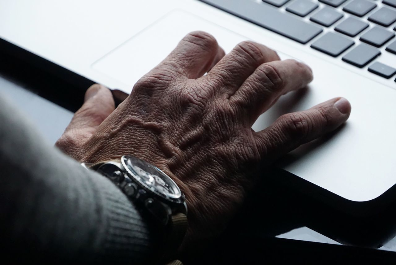Human Meets Technology Man At Work Hand Laptop Mac Technology I Can't Live Without Eye4photography  First Eyeem Photo