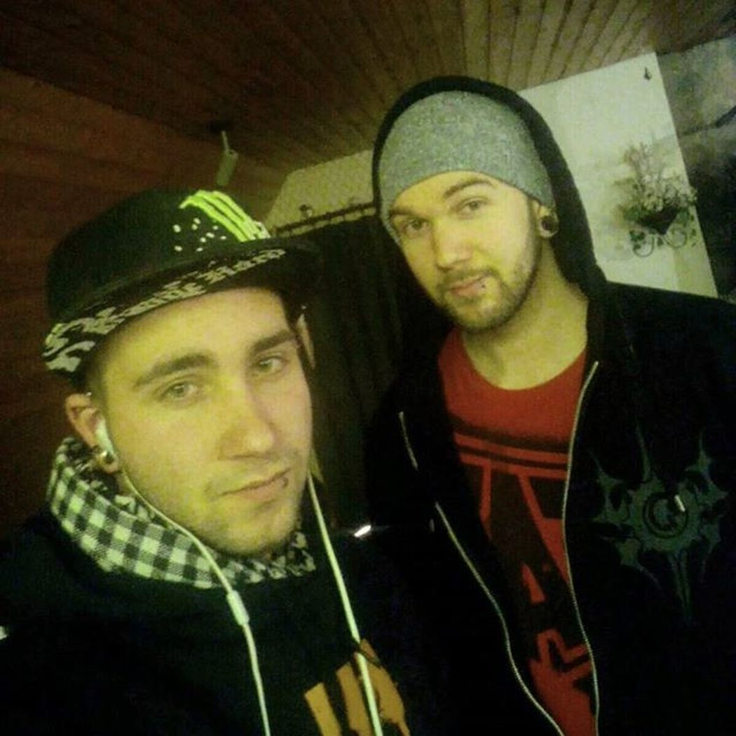 Bruder  Bruderherz Brother Brothers Familie Family FamilyTime Love Hate Lucky Theunguided Monsterenergy Beanie Piercings Piercinglove Piercedguy
